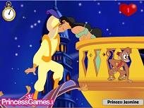 Jasmine si Aladdin Se Saruta