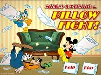 Mickey Mouse Bataia cu Perne