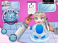 Micuta Elsa la Oftalmolog
