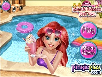 Printesa Sirena la Piscina
