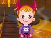 Fetita Hazel la Castelul de Halloween